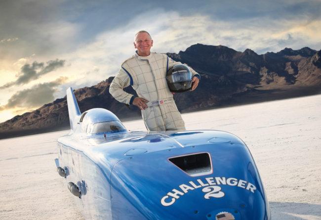 Nový svetový rýchlostný rekord - 725,5 km/h pokorený! Darček Dannyho Thompsona k 70. narodeninám!